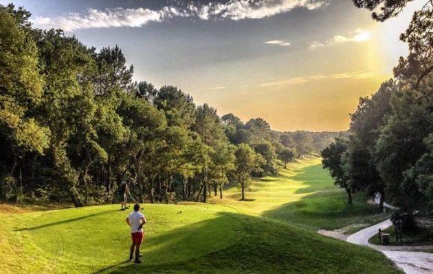 Les golfs restent ouverts !
